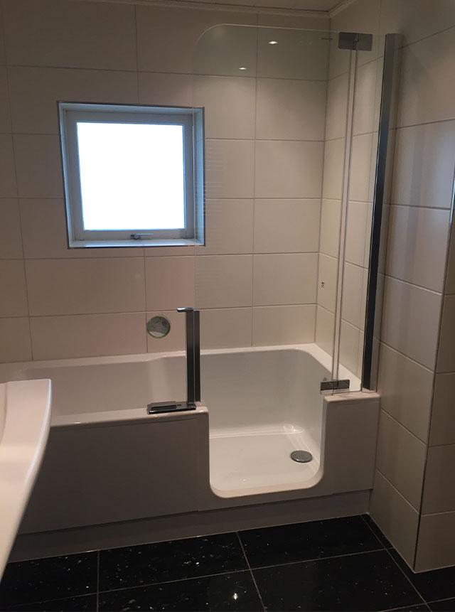 Badkamer-verbouwing-ligbad